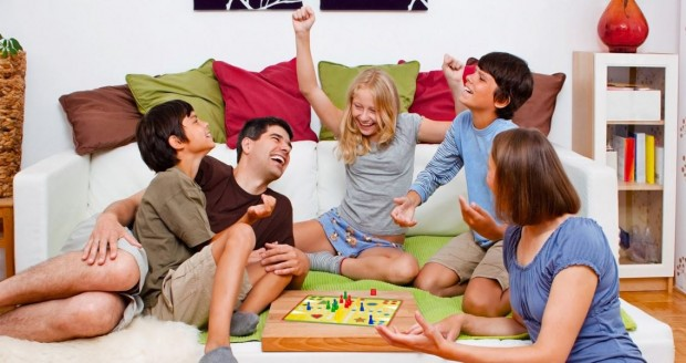 juegos de mesa divertidos para toda la familia 620x328 1